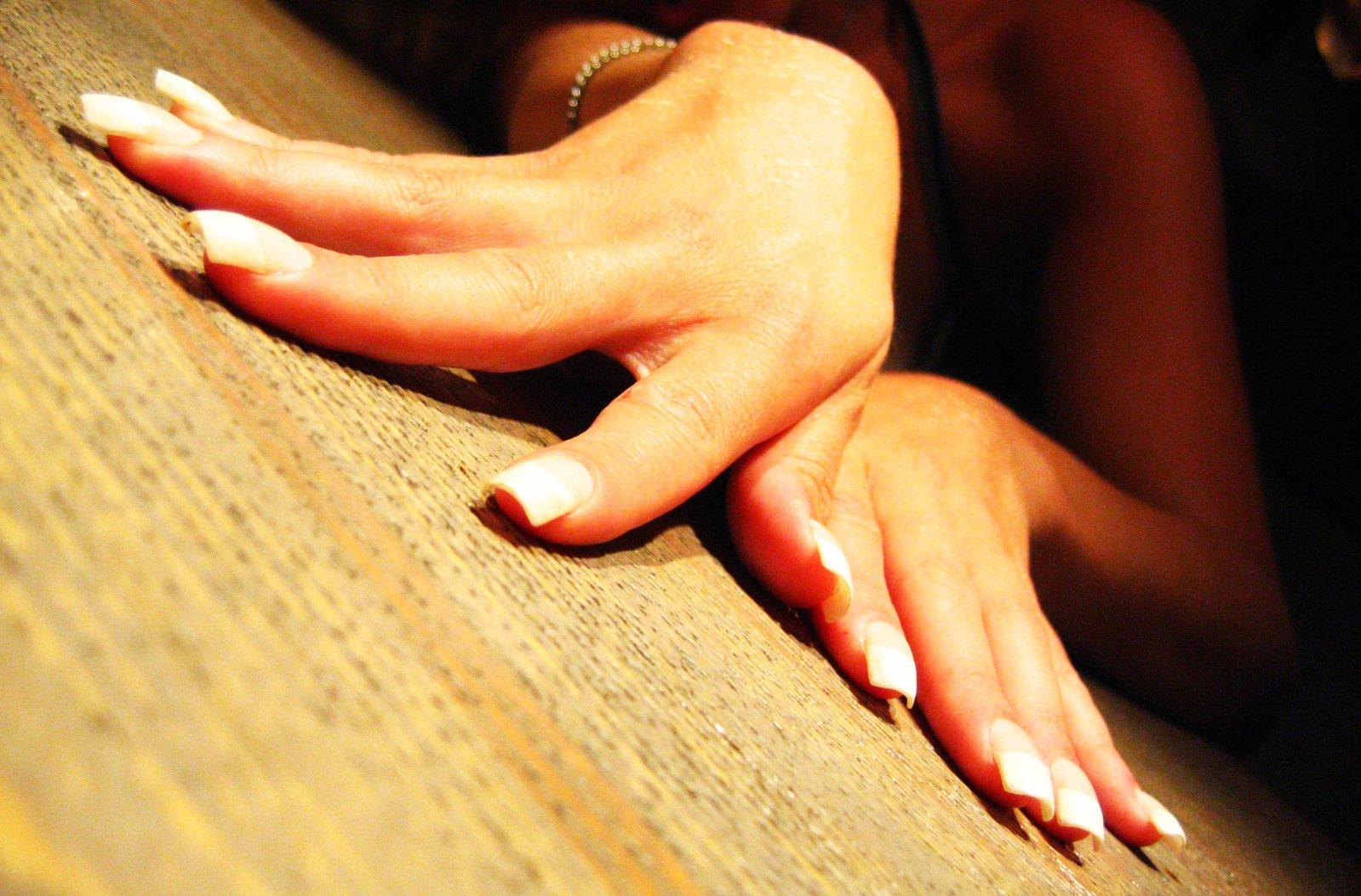 ženské ruky