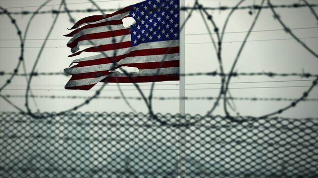 vlajka USA na vojenskej základni.jpg