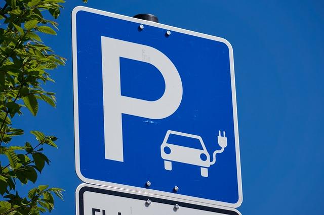 Parkovisko pre nabíjanie áut.jpg